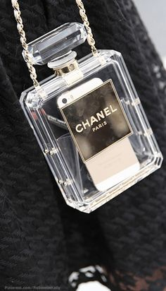 Chanel Bag | Paris Street Style