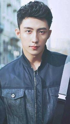 Huang JingYu so freaking sexy