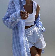 - Pinterest - MaebelBelle - Aesthetic Fashion, Aesthetic Clothes, Look Fashion, 80s Fashion, Aesthetic Outfit, Blue Aesthetic, Korean Fashion, Winter Fashion, Cute Casual Outfits