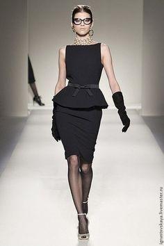 """Платье """"Деловой костюм """"MOSCHINO"""""""