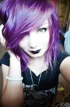purple hair andblack make up :0