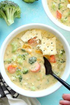 Broccoli And Carrot Soup, Easy Broccoli Cheddar Soup, Broccoli Soup Recipes, Easy Soup Recipes, Cooking Recipes, Chicken Broccoli Soup, Tasty Videos, Food Videos, Caldo De Pollo