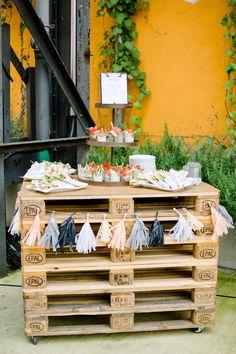 Was passiert eigentlich, wenn DIY Blogger heiraten? Ganz klar: Eine richtig coole, kreative Feier!