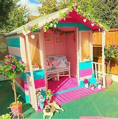 30 Pallet Play House for Kids - Kids Room Ideas You are in the right place about kids backyard Here Pallet Playhouse, Backyard Playhouse, Backyard Playground, Playground Ideas, Pallet Patio, Playground Design, Playhouse Ideas, Pallet House, Kids Outdoor Play
