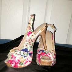 Shoes flower print high heels (worn just one time) Forever 21 Shoes Heels