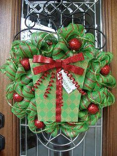 Southern Dwellings: How to make a geo mesh wreath