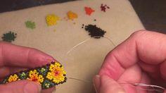 Alternate Method of Huichol Netting – Handwerk und Basteln Beading Patterns Free, Seed Bead Patterns, Beaded Jewelry Patterns, Seed Bead Tutorials, Beading Tutorials, Beaded Bracelets Tutorial, Native American Beadwork, Bead Jewellery, Beading Projects