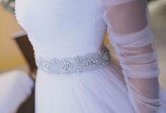 Cinturón de plata con cristales de Swarovski.