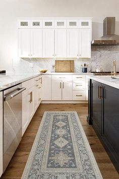 Cambria Abalone Rug – Ruggable Long Kitchen, Neutral Kitchen, Kitchen Flooring, Cool Kitchens, Kitchen Remodel, Kitchen Design, Kitchen Rug Runners, Rugs For Kitchen, Diy Kitchen