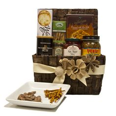 Crunch & Munch Snack Basket | Gourmet Gift Basket | SavoryPantry.com