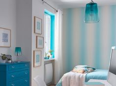 Chambre blanche bleue turquoise