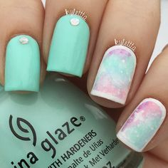 Kylie Markovich  @kylettta Galaxy-ish nails