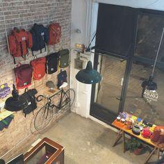 #stores #shops #design #interiors #barcelona #tiendas #tiendasbarcelona #bags #backpacks #decoration #interior #raval www.lolosbarcelona.com