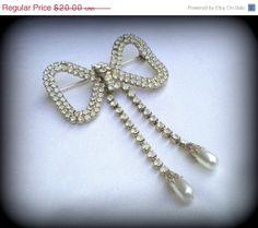 50 SALE Vntage Wedding Brooch Pin  Bridal by VintageTrinkets4u, $10.00