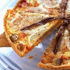 Découvrez la recette Tarte provencale au thon et à la feta sur cuisineactuelle.fr.