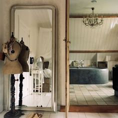 Dressing area | colonial-style dutch house | House tour | classic decorating | PHOTO GALLERY | Homes & Gardens | Housetohome
