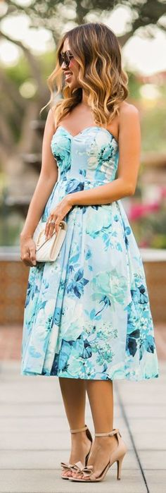 Lace & Locks Sweetheart Floral Midi Dress