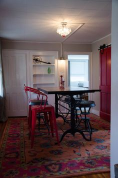GB Eclectic Victorian - Apartments for Rent in Great Barrington, Massachusetts, United States Deep Soaker Tub, Great Barrington, Spring Break Trips, Gas Stove, Back Patio, Glass Shower, New Kitchen, Massachusetts, Apartments