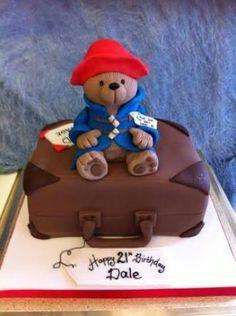 Richard's Cakes Paddington Bear on his suitcase! Fancy Cakes, Cute Cakes, Paddington Bear Party, Teddy Bear Cakes, Bear Birthday, Birthday Cakes, 2nd Birthday, Character Cakes, Novelty Cakes