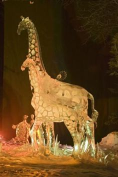 Animal Ice Sculptures | Photo: animal ice carving