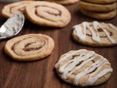"""Cinnamon Roll Cookies (Cowboy Cookie Swap) - """"The Pioneer Woman"""", Ree Drummond on the Food Network. Cinnamon Roll Cookies, Ginger Bread Cookies Recipe, Peanut Butter Cookie Recipe, Cinnamon Rolls, Cookie Recipes For Kids, Healthy Cookie Recipes, Chocolate Cookie Recipes, Healthy Tips, The Pioneer Woman"""