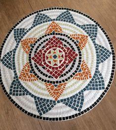 Tampo de mesa em mosaico de vidro                                                                                                                                                                                 Mais