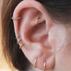Earrings cartilage how to wear cartilage helix hoop pin piercing earrings inspiration ide – ONDAI. how to wear cartilage helix hoop pin piercing earrings inspiration ide – ONDAISY Innenohr Piercing, Cute Ear Piercings, Body Piercings, Triple Piercing, Cartilage Piercings, Double Cartilage, Girl Piercings, Rook Piercing Jewelry, Multiple Ear Piercings