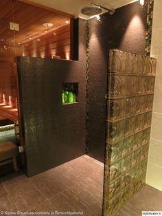 kylpyhuone,sauna,sadesuihku,suihkutila,suihkuseinä,laatat,lasitiili,led,led-valot
