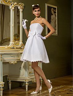 A-line Princess Strapless Knee-length Sashes/Ribbons Taffeta... – USD $ 89.69