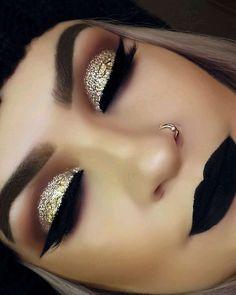 Gold Makeup Tutorial with Blue Under-Eye Liner - Make up hacks Prom Makeup, Cute Makeup, Gorgeous Makeup, Pretty Makeup, Wedding Makeup, Makeup 2018, Bridal Makeup, Dark Makeup Looks, Bridesmaid Makeup