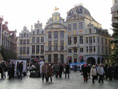 Grand Place, Brussels, Belgium by Karen V Bryan, via Flickr. Our best of Brussels tips: http://www.europealacarte.co.uk/blog/2011/07/21/things-to-do-brussels/