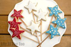 4th July Cookie Pops (cookies simply taste better on a stick!!!!)
