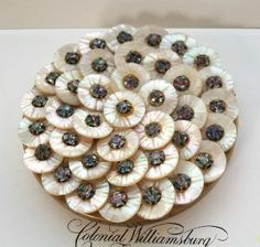 -glamorous-vintage-compact-mother-of-pearl-and-rhinestones-