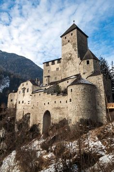 Taufers Castle on the alps in campo tures. Image of middle, knights, kingdom - 28902030