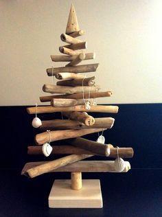 Sapin de Noël en bois flotté par l'Atelier de Corinne : Accessoires de maison par atelier-de-corinne