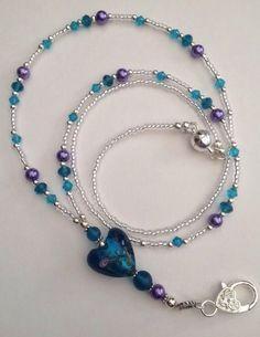 Blue Heart Lanyard **my colors** Beaded Jewelry, Handmade Jewelry, Beaded Necklace, Beaded Bracelets, Jewelry Necklaces, Jewellery, Bijoux Agate, Bijoux Diy, Lanyard Designs
