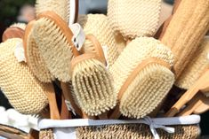 Dry brushing increases blood flow and naturally improves circulation, which means your organs and muscles receive a better supply of oxygen.