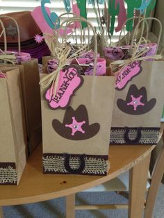 Originales bolsitas de Cumpleaños de la Sheriff Callie!!!                                                                                                                                                                                 Más