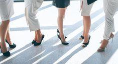 Dress code- Így öltözz a munkahelyre Dress Codes, Coding, Dresses, Vestidos, Dress, Gown, Outfits, Programming, Dressy Outfits