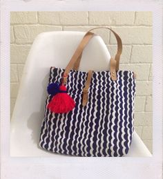 Waves Tote bag with leather strap and tassel