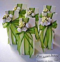 bomboniere segnalibro verde matrimonio Wedding Favor Bags, Wedding Party Favors, Wedding Gifts, Contemporary Flower Arrangements, Wedding Arrangements, Handmade Wedding, Simple Weddings, Communion, Art Tutorials