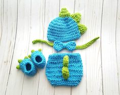 T-Rex Dino-Mite Baby Boy Birthday Outfit, Dinosaur Baby Shower Gift, Infant Newborn Photo Outfit Baby Boy Halloween, Baby Halloween Costumes For Boys, Halloween Kostüm, Baby Costumes, Halloween Cakes, Crochet For Boys, Crochet Baby, Baby Dragon Costume, Baby Boys