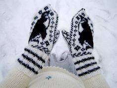 Ravelry: Penguin Mittens pattern by Jessie McKitrick