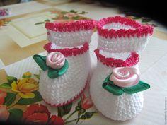"""Купить Пинетки для новорожденной девочки """"Розочки"""" - белый, пинетки для новорожденных, хлопок 100%, для новорожденных"""