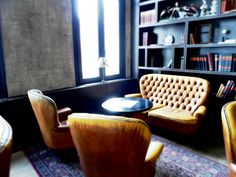 – EN – Strolling around Antwerp Zuid our eyes stumbled upon the Shilling corner. Color Tile, Leather Sofa, Floor Chair, Sofas, Tiles, Interior Design, Wall, Furniture, Home Decor