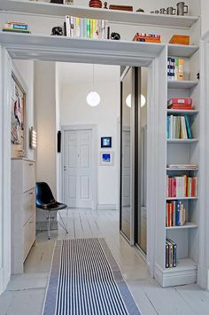 Door entry idea to maximize space