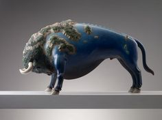 Large-Scale Sculptures Of Animals Carrying Natural Worlds On Their Backs By Wang Ruilin   http://www.123inspiration.com/large-scale-sculptures-of-animals-carrying-natural-worlds-on-their-backs-by-wang-ruilin/