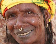 Fulani (Ferdinand Reus) Tags: africa portrait woman smile earring ring nosering mali ethnic dogon djenne mopti afrique fulani bandiagara peul tchoodi