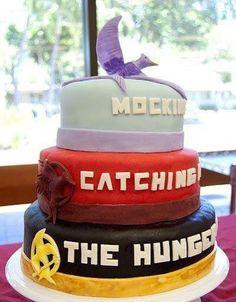 The hunger games cake @lovesdaisy2000