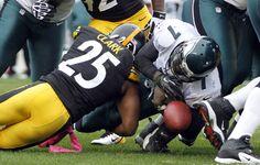 Ryan Clark Steelers Wife | Ryan Clark Ryan Clark #25 of the Pittsburgh Steelers causes Michael ...